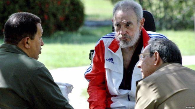 fidel-castro-se-reune-com-o-presidente-venezuelano-hugo-chavez-e-seu-irmao-raul-castro